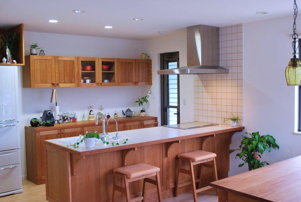 オーダーキッチン・ダイニングテーブル・オーダー食器棚